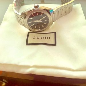 New Gucci GG2570 Black Dial Stainless Steel Watch